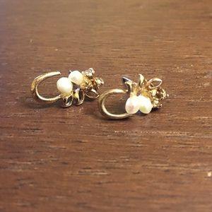 Jewelry - Gold & Pearl Earrings